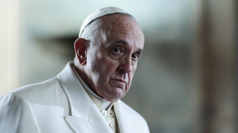"""Papa Francesco: """"Dolore per il terrorismo Dio ci liberi da violenza"""""""