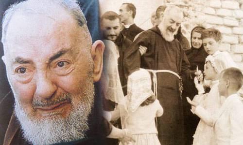 Preghiera a San Pio Sacerdote, fammi dono o caro e umile Padre, della tua potente Benedizione.