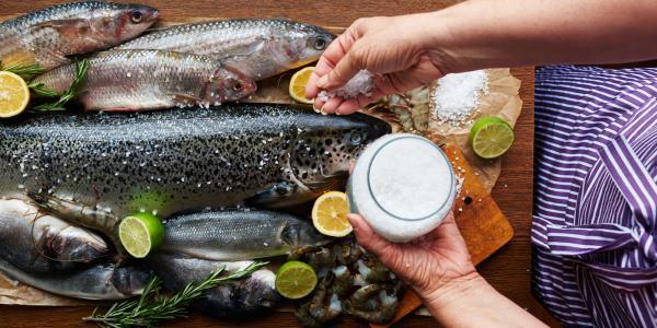 Non mangi pesce, ecco cosa rischia chi non lo mangia.